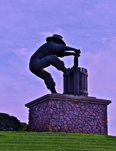 Statue in Napa Valley, Private Wine Tours in Santa Rosa, CA